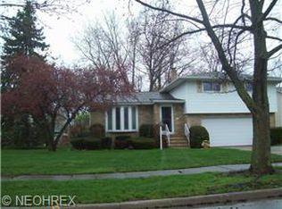 7055 Greenbriar Dr , Cleveland OH