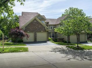 12148 Autumn Lakes Dr , Maryland Heights MO
