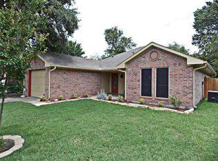605 E Buffalo St , Forney TX