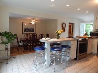 63 Hovey Rd , Londonderry NH