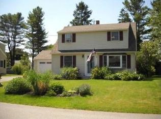 29 Phillips Rd , Falmouth ME