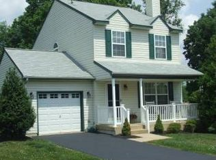 611 Orchard Way , Upper Chichester PA