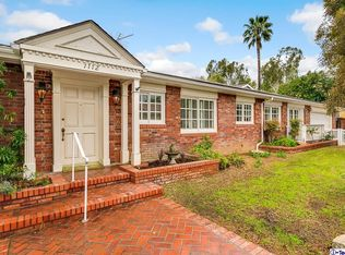 1112 Roanoke Pl , La Canada Flintridge CA