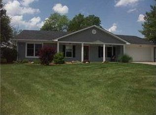 909 Cardinal Dr , Zionsville IN