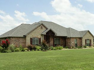 2011 Cross Creek Dr , Scurry TX