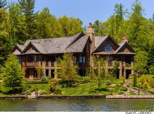 41 Chimney Pt, Lake Toxaway, NC 28747