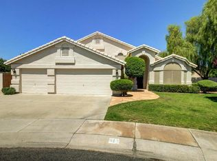 971 N Lakeshore Pl , Chandler AZ