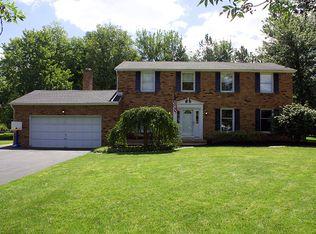 15 Oakmont Ct , East Amherst NY