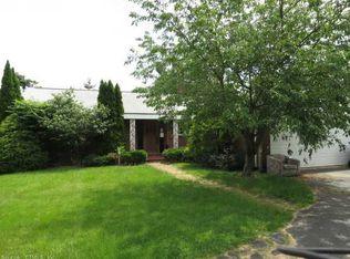 456 Ridge Rd , Wethersfield CT