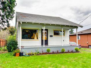 8605 NE Hassalo St , Portland OR