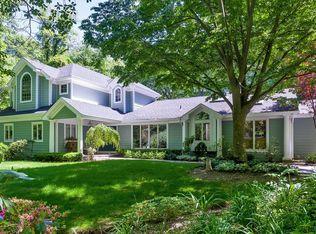 88 White Oak Tree Rd , Syosset NY