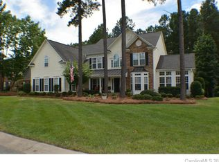 224 Village Glen Way, Mount Holly, NC 28120