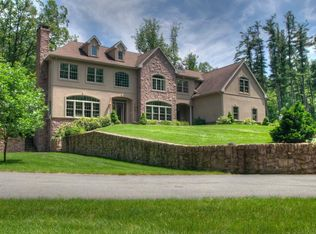 100 Looking Glass Ln, Reading, PA 19607
