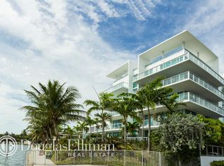 720 NE 62nd St Apt 411, Miami FL