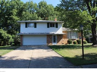 889 E Dartmoor Ave , Seven Hills OH