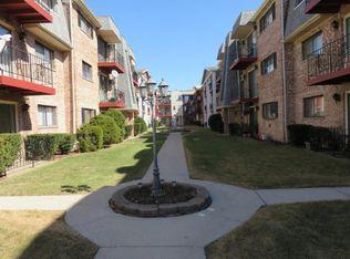 5345 N Delphia Ave Apt 246, Chicago IL