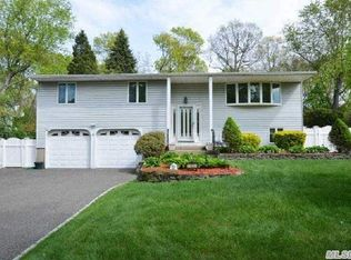 11 Fisher Rd , Commack NY