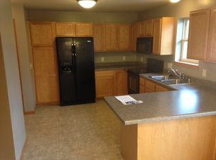 5019 Eagles Perch Dr, Madison, WI 53718