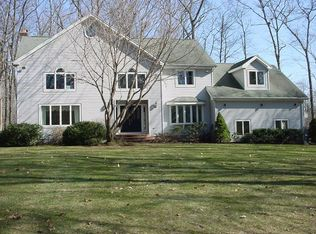 800 Mountain Rd , Cheshire CT
