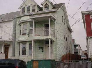 25 Oak St , Paterson NJ