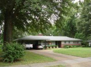 4241 Woodcrest Dr , Memphis TN
