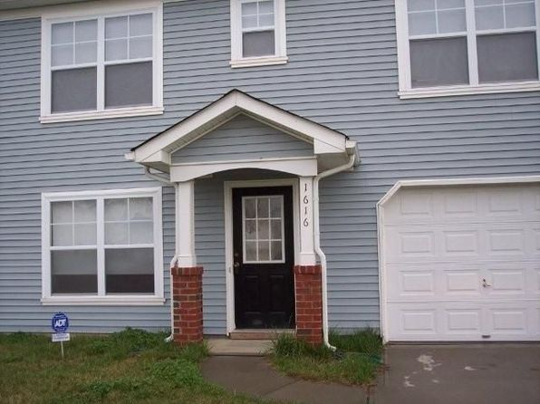1616 Long Paw Ln, Charlotte, NC