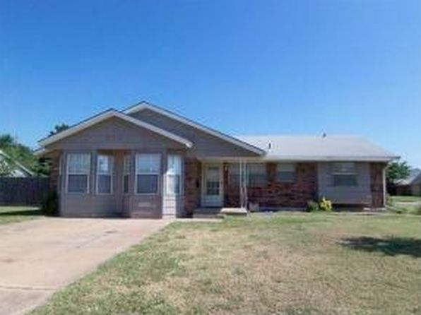 809 SW 10th St, Moore, OK