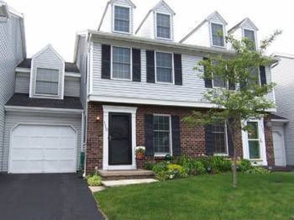 110 Port View Cir, Rochester, NY