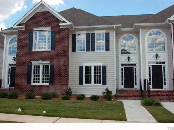 225 Anniston Ct, Cary, NC