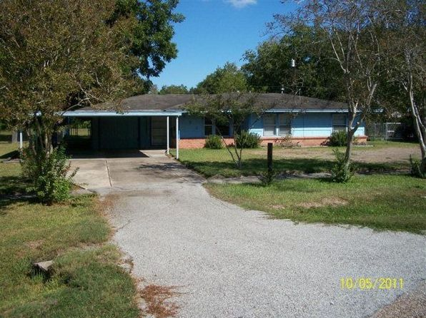 923 E Magnolia St, Angleton, TX