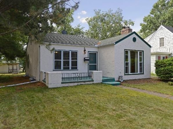 1590 Hollywood Ct, Falcon Heights, MN