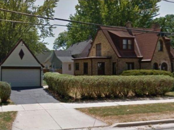 891 W Chicago St, Elgin, IL