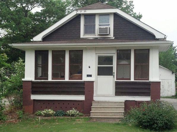 1612 Center Rd, Hinckley, OH
