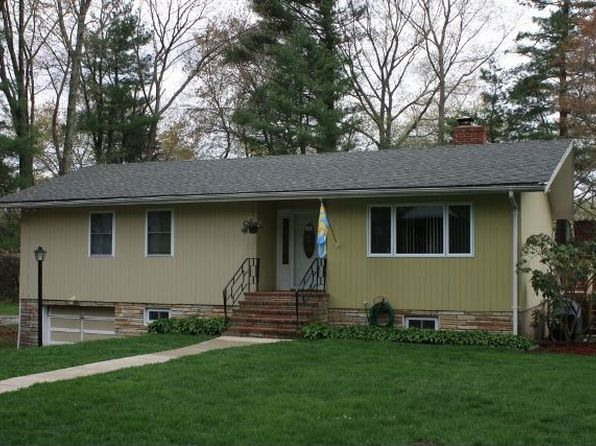 33 Forest Rd, Stoughton, MA