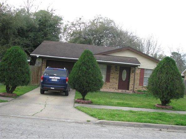 925 E Myrtle St, Angleton, TX
