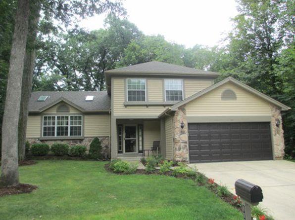 1131 Oak Ridge Dr, Streamwood, IL
