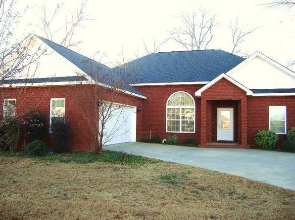105 Desirable Ln, Perry, GA