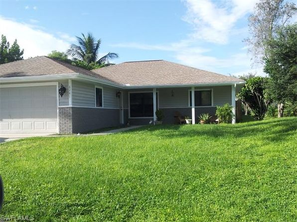 8241 Harrisburg Dr, Fort Myers, FL