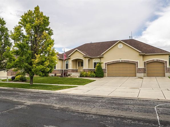 Brick rambler syracuse real estate syracuse ut homes for Rambler homes for sale
