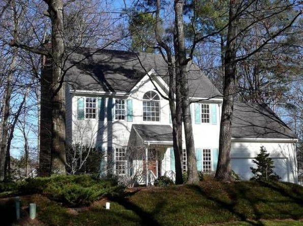 1002 Camberley Dr, Apex, NC