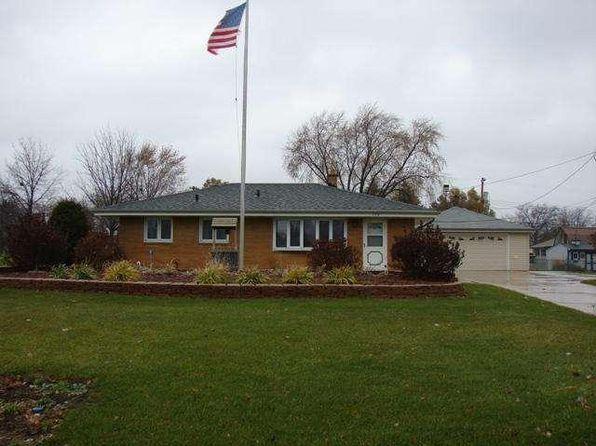 130 E Fitzsimmons Rd, Oak Creek, WI