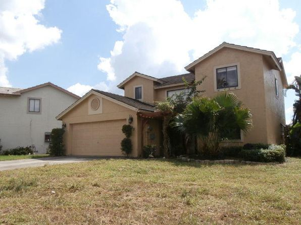 5785 Strawberry Lakes Cir, Lake Worth, FL
