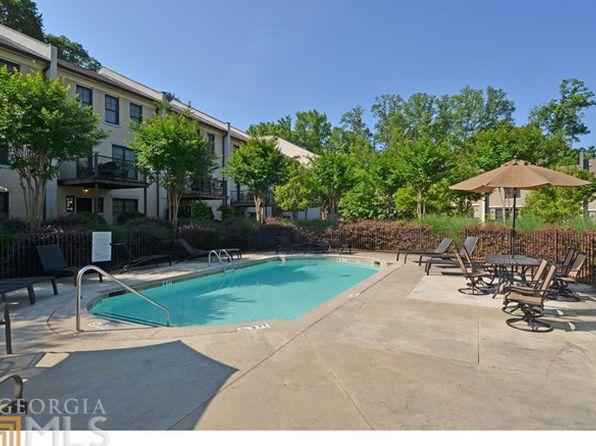 226 Knob Hills Cir, Decatur, GA