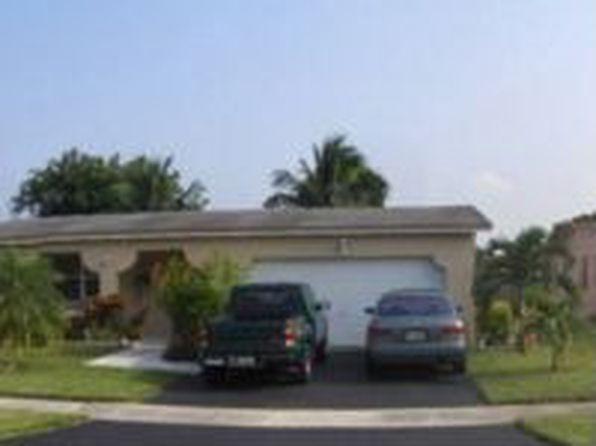 10466 NW 4th St, Plantation, FL