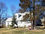 2 Micahill Rd, Levittown, PA