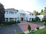 21 Elm Ct, Sands Point, NY