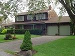 205 Fairharbor Dr, Patchogue, NY