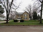406 W Sycamore St, Dunkerton, IA