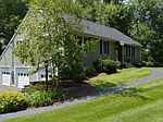 246 Kent Farm Rd, Hampstead, NH