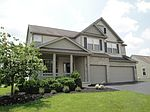 2041 Autumn Wind Dr, Grove City, OH